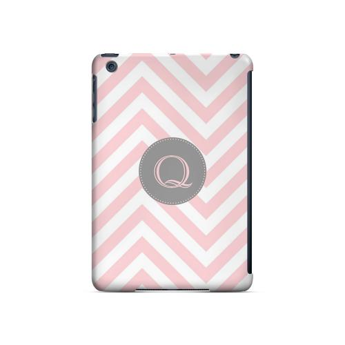 Gray Button Q on Pale Pink Zig Zags - Geeks Designer Line Monogram Series Hard Case for Apple iPad Mini