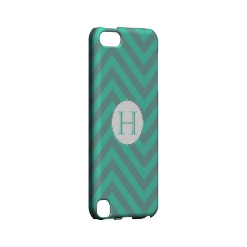 Seafoam Green H on Zig Zags - Geeks Designer Line Monogram Series Hard Case for Apple iPod Touch 5
