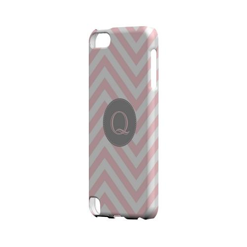 Gray Button Q on Pale Pink Zig Zags - Geeks Designer Line Monogram Series Hard Case for Apple iPod Touch 5