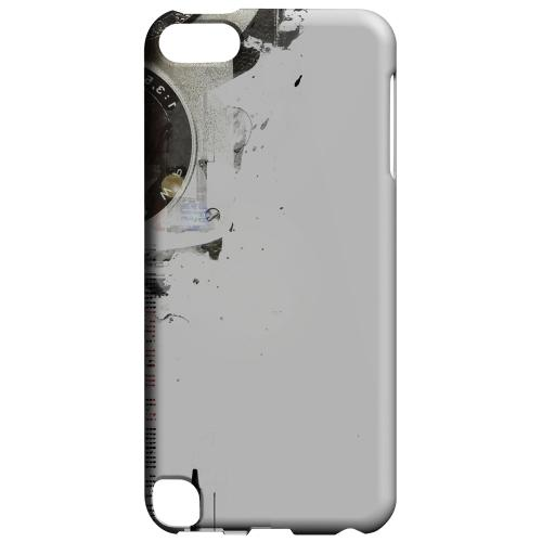 Geeks Designer Line (GDL) Slim Hard Case for Apple iPod Touch 5 - The Tower