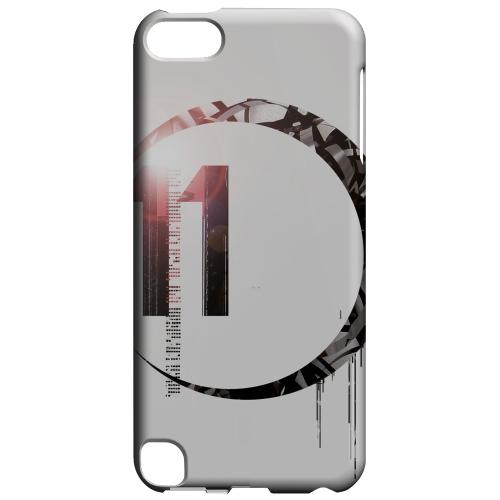 Geeks Designer Line (GDL) Slim Hard Case for Apple iPod Touch 5 - Moon 11