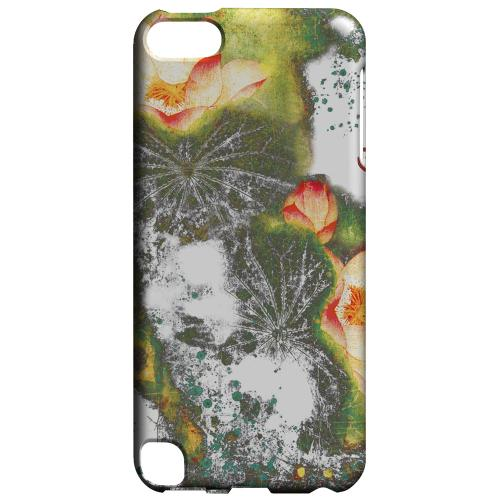 Geeks Designer Line (GDL) Slim Hard Case for Apple iPod Touch 5 - Lotus Flowers