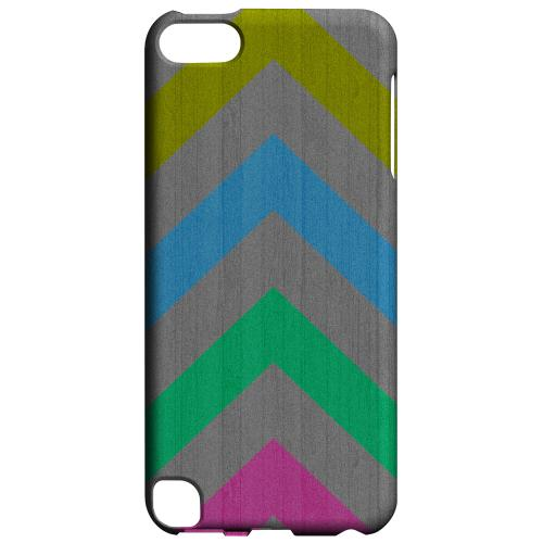 Geeks Designer Line (GDL) Slim Hard Case for Apple iPod Touch 5 - Grungy Multi-Colors on Gray