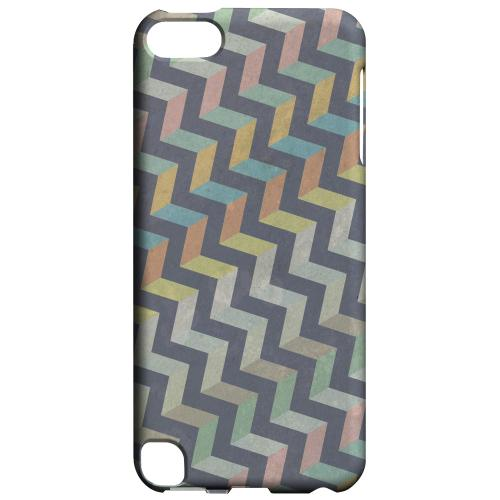 Geeks Designer Line (GDL) Slim Hard Case for Apple iPod Touch 5 - Grungy Pastel Steps