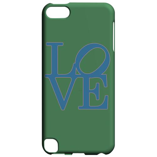 Geeks Designer Line (GDL) Slim Hard Case for Apple iPod Touch 5 - Blue Love on Green