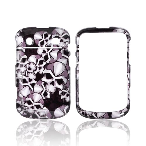Blackberry Bold 9900, 9930 Hard Case - Silver Skulls on Black