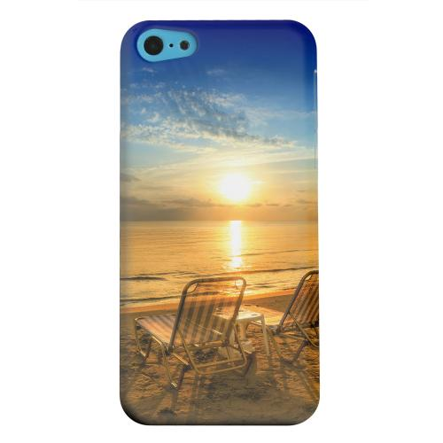 Geeks Designer Line (GDL) Apple iPhone 5C Matte Hard Back Cover - Beach Chair Sunrise