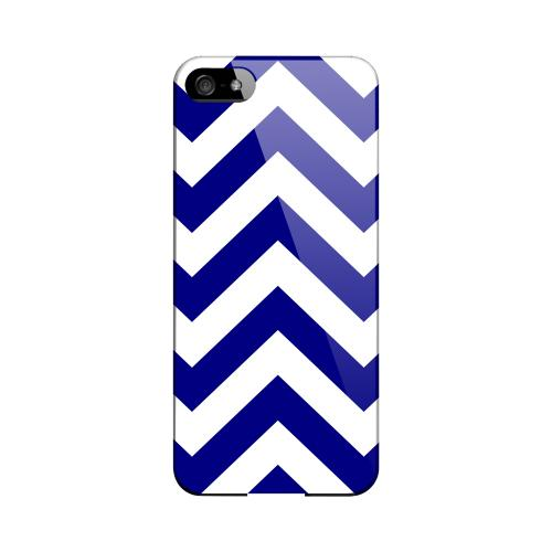 Navy Blue on White Geeks Designer Line Zig Zag Series Slim Hard Case for Apple iPhone 5/5S