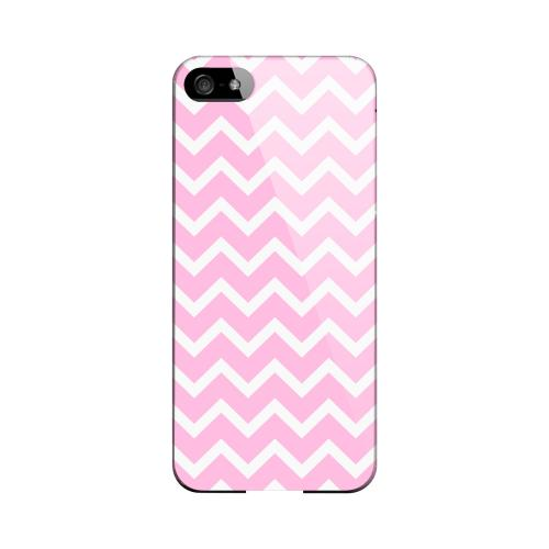 White on Pink Geeks Designer Line Zig Zag Series Slim Hard Case for Apple iPhone 5/5S