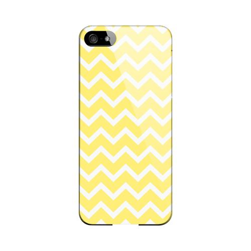 White on Yellow Geeks Designer Line Zig Zag Series Slim Hard Case for Apple iPhone 5/5S