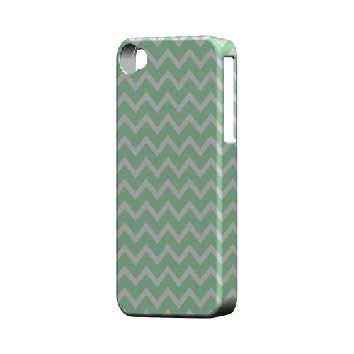 White on Mint Geeks Designer Line Zig Zag Series Matte Hard Case for Apple iPhone 4/4S