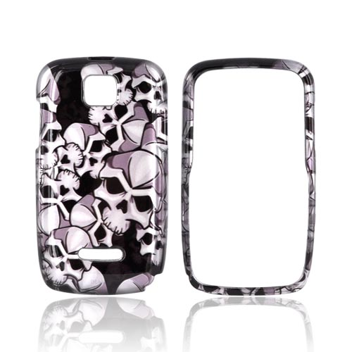 Motorola Theory Hard Case - Silver Skulls on Black