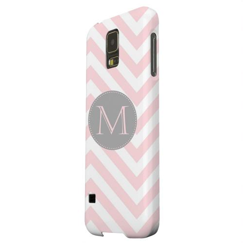 Geeks Designer Line (GDL) Samsung Galaxy S5 Matte Hard Back Cover - Gray Button Monogram M on Pale Pink Zig Zags
