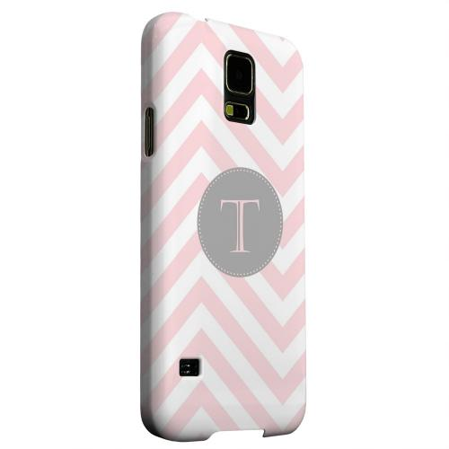 Geeks Designer Line (GDL) Samsung Galaxy S5 Matte Hard Back Cover - Gray Button Monogram T on Pale Pink Zig Zags
