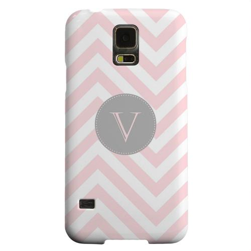 Geeks Designer Line (GDL) Samsung Galaxy S5 Matte Hard Back Cover - Gray Button Monogram V on Pale Pink Zig Zags