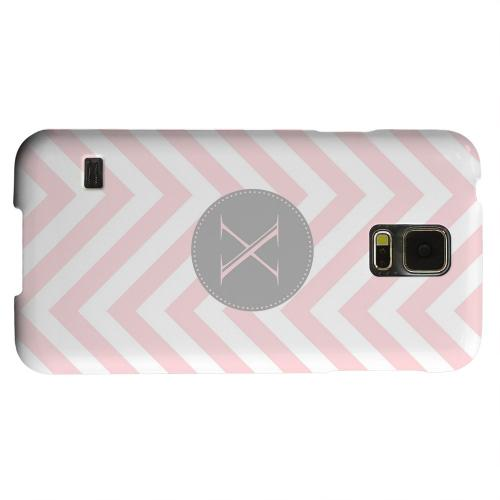 Geeks Designer Line (GDL) Samsung Galaxy S5 Matte Hard Back Cover - Gray Button Monogram X on Pale Pink Zig Zags