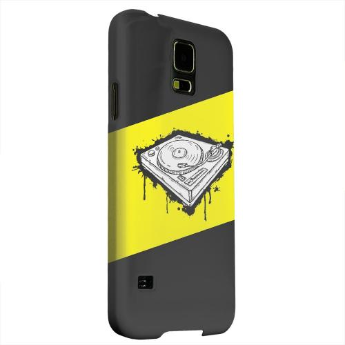 Geeks Designer Line (GDL) Samsung Galaxy S5 Matte Hard Back Cover - Wheel of Steel Yellow