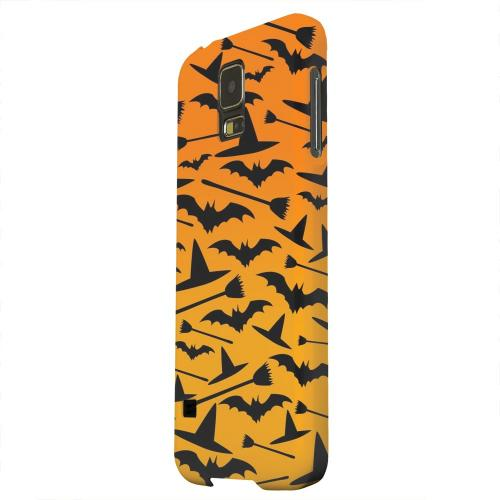 Geeks Designer Line (GDL) Samsung Galaxy S5 Matte Hard Back Cover - Witch Hat/Broom/Bat on Orange