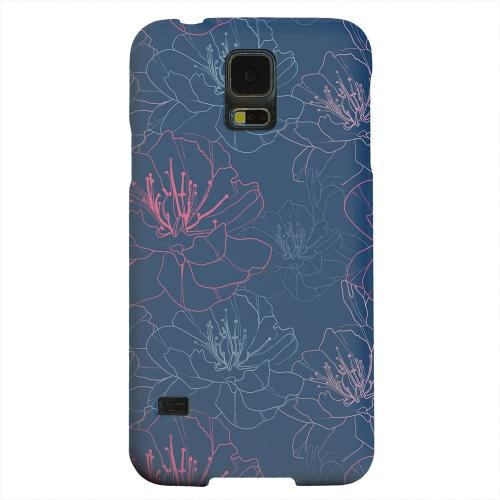 Geeks Designer Line (GDL) Samsung Galaxy S5 Matte Hard Back Cover - Flower Outline on Blue