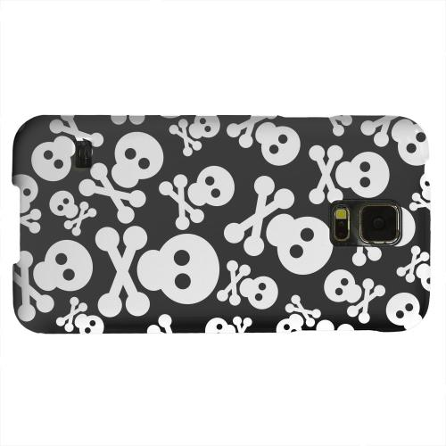 Geeks Designer Line (GDL) Samsung Galaxy S5 Matte Hard Back Cover - Skull Face Invasion White on Black
