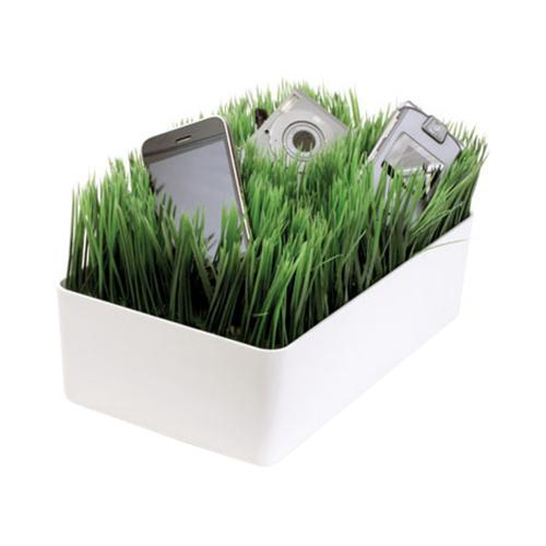 Original Kikkerland Universal Artificial Wheat Grass Mini Charging Station, OR07-W - Green/ White